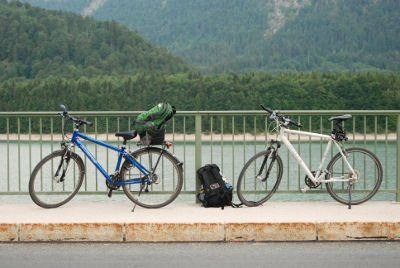 2 Fahrräder im Urlaub